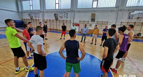 Košarkaši Radnika počeli pripreme za novu sezonu
